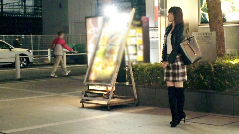 细腰巨乳的小姑娘拍摄AV的理由居然是想要变得更淫荡一看今天穿的超短裙就知道很有干劲 261ARA-416 screenshot 0