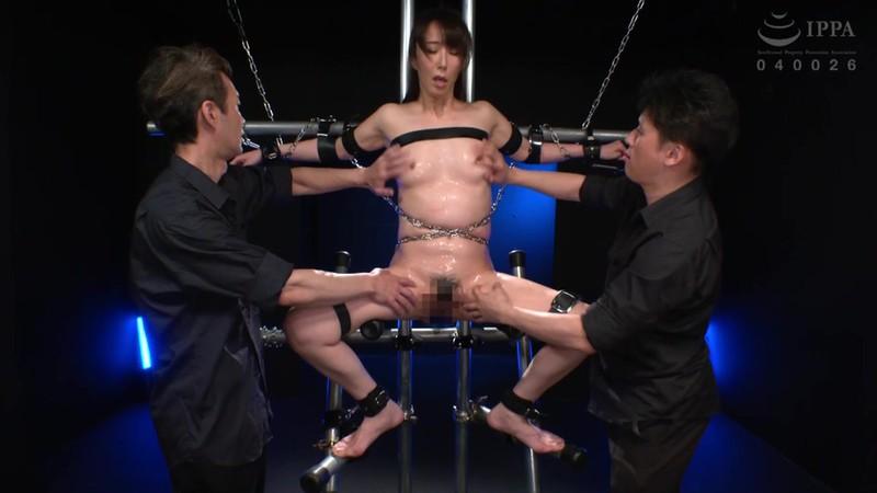 膣イキ洗脳 ガニ股拷問 高身長人妻ハードファックでイキ狂い 澤村レイコ DDOB-078 screenshot 6