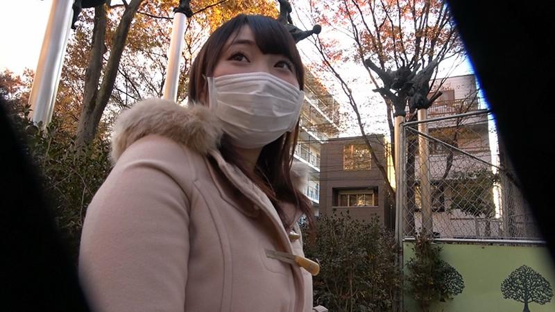 大物芸能人Xの実娘、爆乳H-cupを引っ提げて、マスク着用を条件に衝撃AV DEBUT!りの FONE-100 screenshot 1