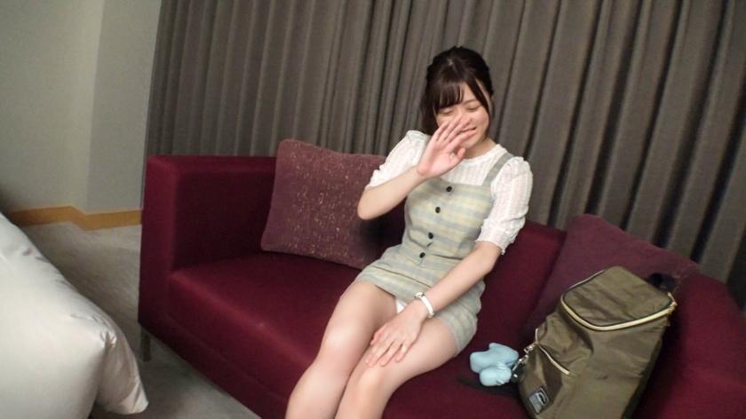 マジ軟派、初撮。 1386 渋谷で捕まえた超絶美少女をインタビューのテイでホテルに連れ込み!エッチな雰囲気に流されてセックス開始!ハードピストンに『もっとぉおお!!』と絶叫しながらイキまくるスケベ素人 screenshot 2