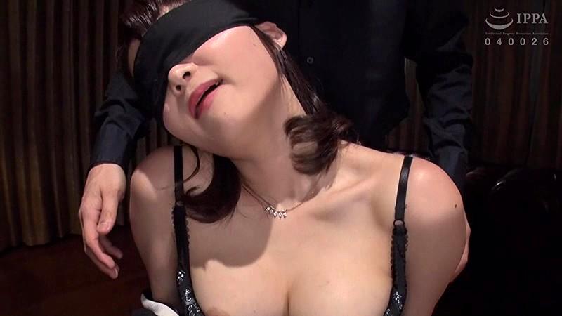 人妻追撃ピストン セレブな人妻を集団孕ませ陵辱 妃月るい DDHZ-002 screenshot 2