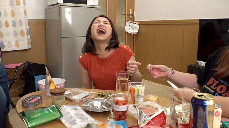 「乳首が感じない男ってつまんな~い!」っていう、男の乳首を責めるのが大好きな私の女友達がAVに出たがってたので出演してもらいました。 USAG-007 screenshot 2