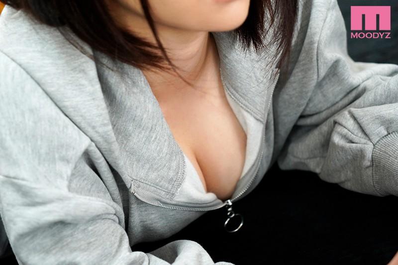 女として意識した事なかった幼なじみが隠れ巨乳だったのを知ってその場のノリでSEXを頼んでみた 佐藤りこ MIAA-209 screenshot 0