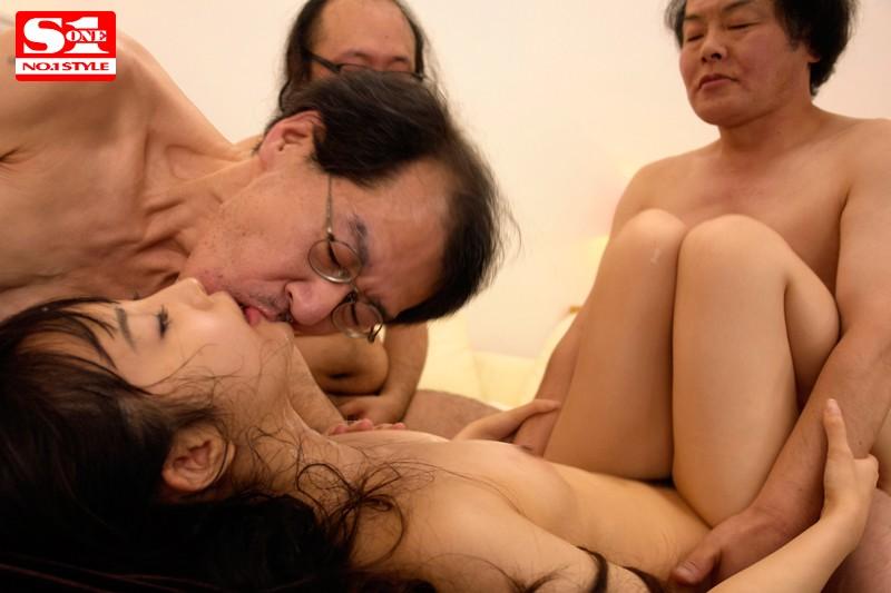 和一群恶心丑男做爱的宇佐美舞 SNIS-303 screenshot 7