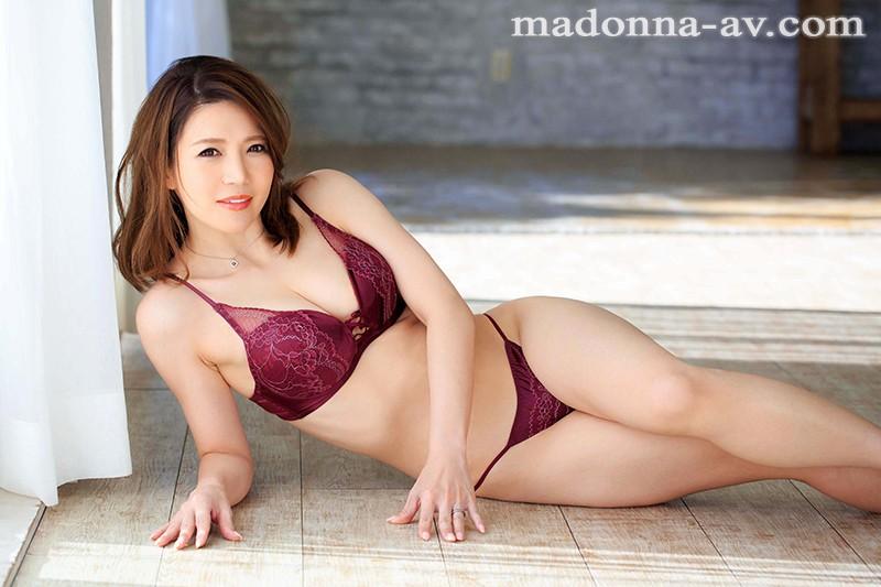 四十岁的美女人妻米津响AV出道体验老公无法带来的快乐 JUL-152 screenshot 9