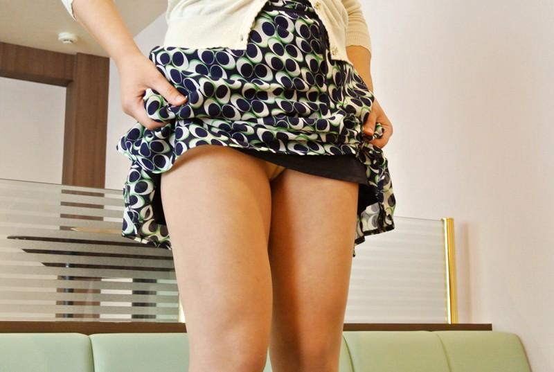 羽生亚里沙 趁研习玩弄家庭餐厅的爆乳人妻店员 让她穿起制服后,就开始大玩特玩对身体进行恶作剧啦… TAMA-034 screenshot 0