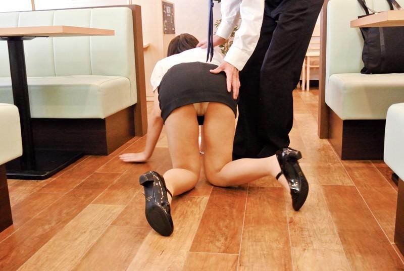 羽生亚里沙 趁研习玩弄家庭餐厅的爆乳人妻店员 让她穿起制服后,就开始大玩特玩对身体进行恶作剧啦… TAMA-034 screenshot 2