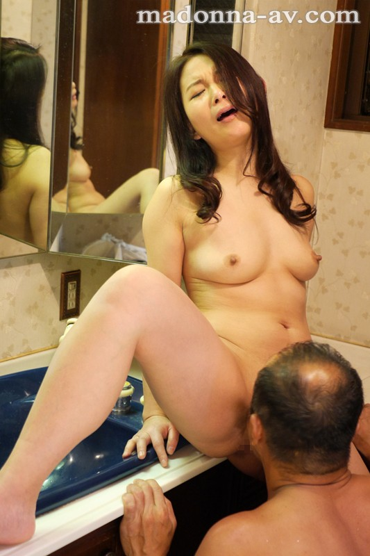 浴室からはじまる中年男女の溺れゆく情事 濡れた密室 一色桃子 JUY-164 screenshot 1