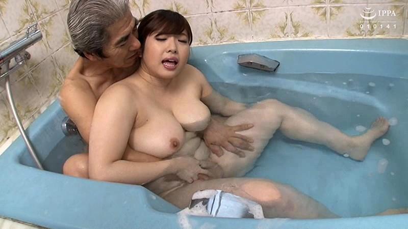 定年退職してヒマになったドスケベ義父の嫁いぢり 中村知恵 VENU-877 screenshot 7