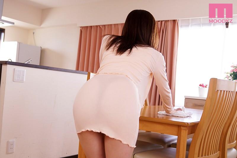 肥臀人妻的透明丁字褲誘惑.篠田優 screenshot 6