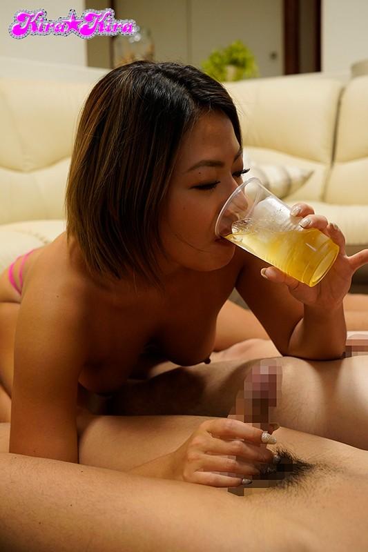 平时很认真的辣妹喝醉后就会变成喜欢吞精的骚货和周围的男人随意乱交内射 BLK-457 screenshot 5