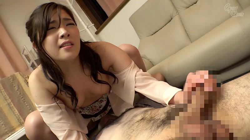 ノーブラノーパンで挑発してくるスケベ奥さんが隣に引っ越してきた! 美波沙耶 GVH-118 screenshot 8