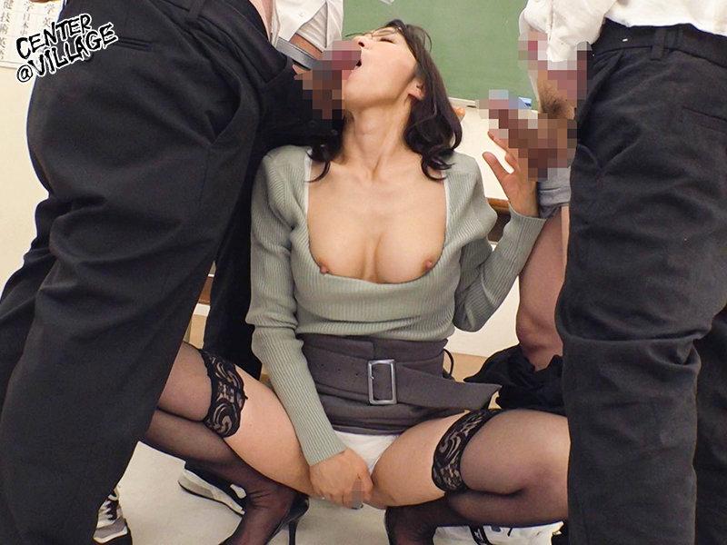 生徒との禁断絶頂セックスで理性のブレーキが壊れた熟女教師 休みの日には自宅に連れ込み朝まで激しく生性交 最終的には弱みを握られ男子生徒全員の性処理係に… 水上由紀恵 TOEN-045 screenshot 7