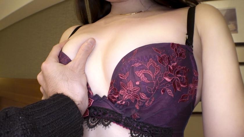 让每个人都回头的白皙美女在面前露出完美无瑕的裸体 SIRO-4055 screenshot 1